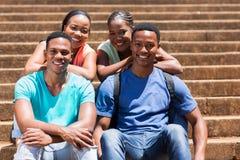 Studenti sulla città universitaria Fotografie Stock