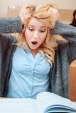 Studentin überrascht an der Klasse Stockfoto