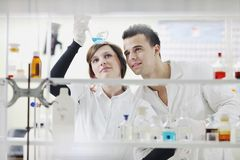 Students Couple In Lab Royalty Free Stock Images