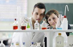 Students couple in lab Royalty Free Stock Photos