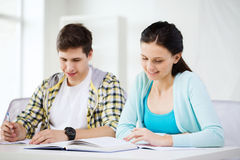 Free Students With Textbooks And Books At School Royalty Free Stock Images - 46819079