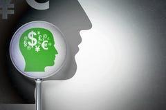 Studera begrepp: Head med finanssymbol med optiskt exponeringsglas på digital bakgrund Arkivbild