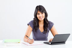 studera för högskolestudent royaltyfria foton