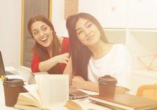 Studera för studentdamer Arkivfoton