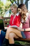 Studera utanför Royaltyfri Foto