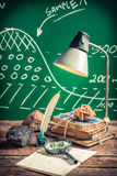 Studi e descriva i minerali ad una lezione di geografia Fotografia Stock Libera da Diritti