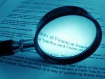 Studiando circa le finanze immagini stock libere da diritti