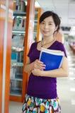 Studie in een bibliotheek Stock Fotografie