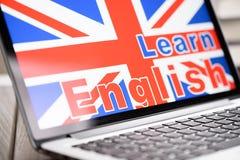 Studie Engelse online stock foto