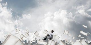 Studie stark, zum erfolgreicher Geschäftsmann zu werden Lizenzfreies Stockbild