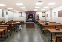Studie van synagoge de Joodse Torah stock fotografie