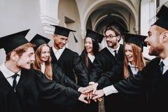 Studie zusammen Gute Stimmung Gruppe Kursteilnehmer stockfoto