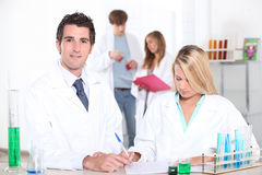 Studieren von Chemie an der Universität Stockfoto