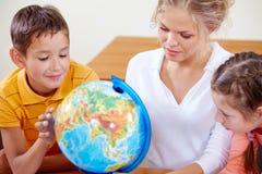 Studieren von Geographie stockfoto