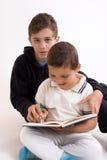 Studieren von Geschwister Lizenzfreies Stockbild