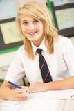 Studio adolescente femminile dell'allievo Immagine Stock Libera da Diritti