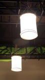 Studio, das helle Zeltausrüstung hängt Stockbilder