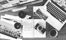 Studio de conception de photographie de Tablette de Digital éditant le concept photos libres de droits