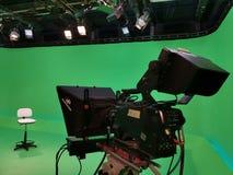 Studio de TV avec les dispositifs spécifiques - caméscope photos libres de droits
