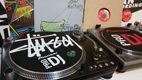 Studio del DJ Piattaforma girevole della vecchia scuola Fotografia Stock