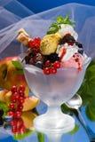 Studio del gelato con la frutta Fotografia Stock Libera da Diritti