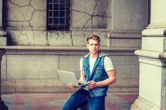 Studio del giovane, lavorante a New York Immagine Stock