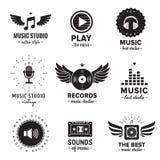Studio di musica ed insieme d'annata di vettore del logos della radio Pantaloni a vita bassa e retro stile Immagini Stock Libere da Diritti