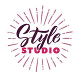 Studio di stile Logo Beauty Vector Lettering Calligrafia fatta a mano su ordinazione illustation di vettore Fotografie Stock Libere da Diritti