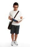 Studio diritto del libro di lettura dell'allievo Immagine Stock