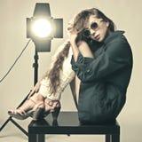 Studio expressif tiré du jeune beau femme Photographie stock