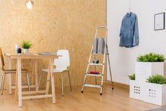 Studio à la maison de personne entreprenante Photos libres de droits