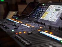 Studio sain ajustant l'équipement record photos stock
