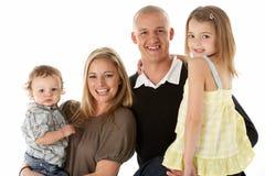 Studio schoss von der Familien-Gruppe im Studio Stockfoto