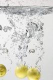 STUDIO SHOT OF LEMON IN WATER. Royalty Free Stock Photography