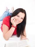 Studio sorridente della donna del brunette Fotografia Stock