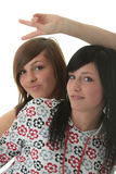 Studio sparato di due ragazze teenager d'avanguardia Immagine Stock