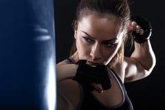 Studio strzelający żeński bokser zdjęcie royalty free