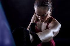 Studio strzelający żeński bokser fotografia royalty free