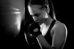 Studio strzelający żeński bokser obrazy royalty free