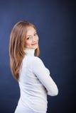 Studio strzelający młoda uśmiechnięta kobieta Obrazy Stock