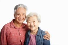 Studio tiré des couples aînés chinois images libres de droits