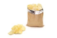Studio van een zak van chips wordt geschoten die Stock Fotografie