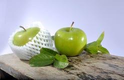 Studio verde della mela Immagini Stock Libere da Diritti