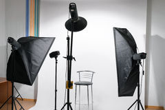 Studio vide de photo avec l'équipement photo libre de droits