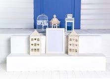 studio Weißer Raum Fotorahmen Spott oben des Fotorahmens und -geschenks Stockfotografie