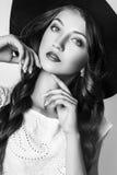 Studiofoto der jungen Frau auf weißem Hintergrund Rebecca 6 Lizenzfreie Stockbilder