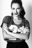Studiofoto der jungen Frau auf weißem Hintergrund Rebecca 6 Stockfotografie