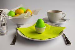 Studiofoto die het ontbijt of de brunch van Pasen symboliseren stock afbeelding