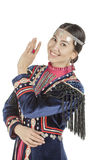 Studiofotomädchen mit Ostgesicht, im Bashkir nationalen Kostüm, eine Nation lebend auf dem Gebiet von Russland, auf einem weißen  Lizenzfreie Stockfotos