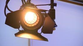 Studiolicht in de redactiekamerstudio stock video